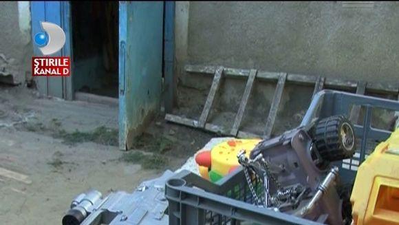 Un copil nesupravegheat a cazut intr-un beci de trei metri VIDEO