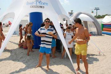 Cove, arbitrul amazoanelor, si-a stins setea cu ayran pe plaja Kanal D Summer Studio FOTO