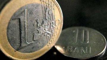 Leul SE PRABUSESTE! Noi MAXIME ISTORICE pentru euro si dolar: 4,5275lei/euro si 3,6848 lei/dolar