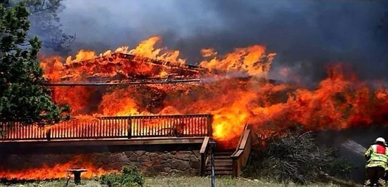 Stare de CATASTROFA in Statele Unite. Regiunea Colorado, DEVASTATA de incendii VIDEO