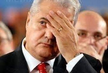 UPDATE Adrian Nastase a iesit din operatie! Politicianul va sta 14 zile in spital si va primi consiliere psihologica
