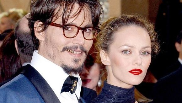 E oficial !Johnny Depp si Vanessa Paradis s-au despartit dupa 14 ani