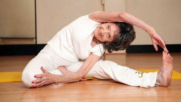 Ea este CEA MAI IN FORMA bunicuta! Crezi ca vei putea sa faci asta la 93 de ani? FOTO + VIDEO