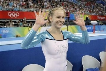 Succesele continua pentru gimnastica romaneasca! Sandra Izbasa, MEDALIE DE AUR la sarituri