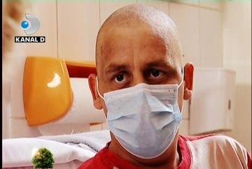 Bolnav de leucemie, Sebastian asteapta clipa in care sa-si stranga tatal in brate dupa 30 de ani! VIDEO