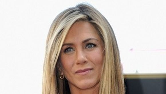 Jennifer Aniston i-a dat un ultimatum iubitului ei