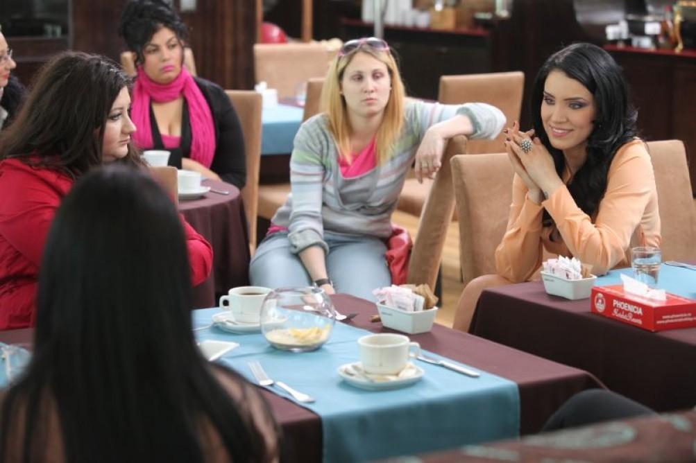 """Adelina Pestritu este confidenta participantelor la """"Mireasa 90 60 90""""!"""