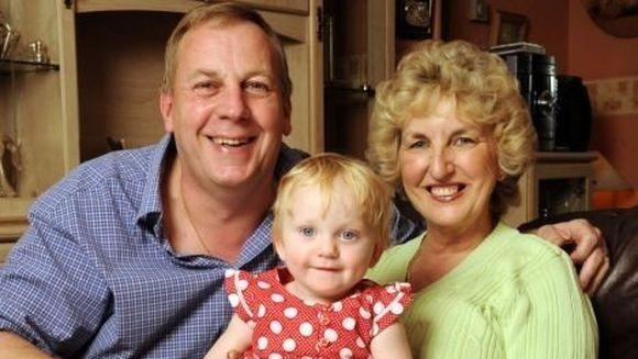 Cea mai batrana mama din Marea Britanie regreta ca a devenit nascut la 57 de ani