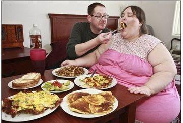 Viseaza sa ajunga cea mai grasa femeie din lume si se marita cu un bucatar. Vezi cum arata GALERIE FOTO