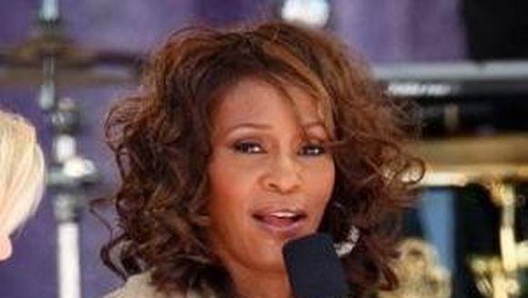 Incredibil! Whitney Houston l-a iubit si a vrut sa se marite cu Michael Jackson