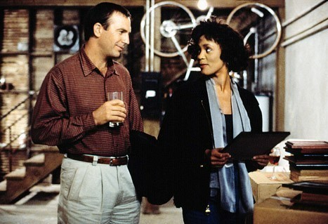 Kevin Costner va tine un discurs in memoria lui Whitney Houston