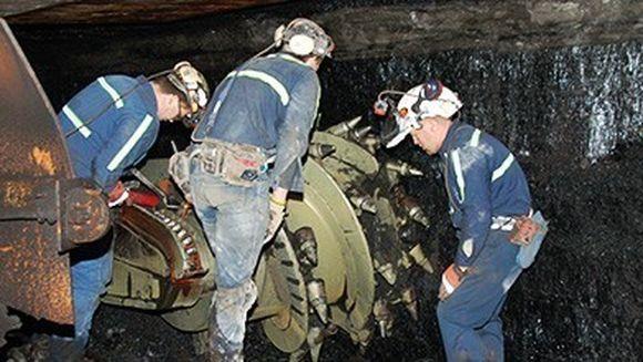 Greva in Valea Jiului. Minerii protesteaza, nemultumiti de salarii si conditiile de munca