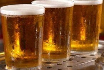 Incredibil! Un barman concediat pentru ca punea prea multa bere in pahar
