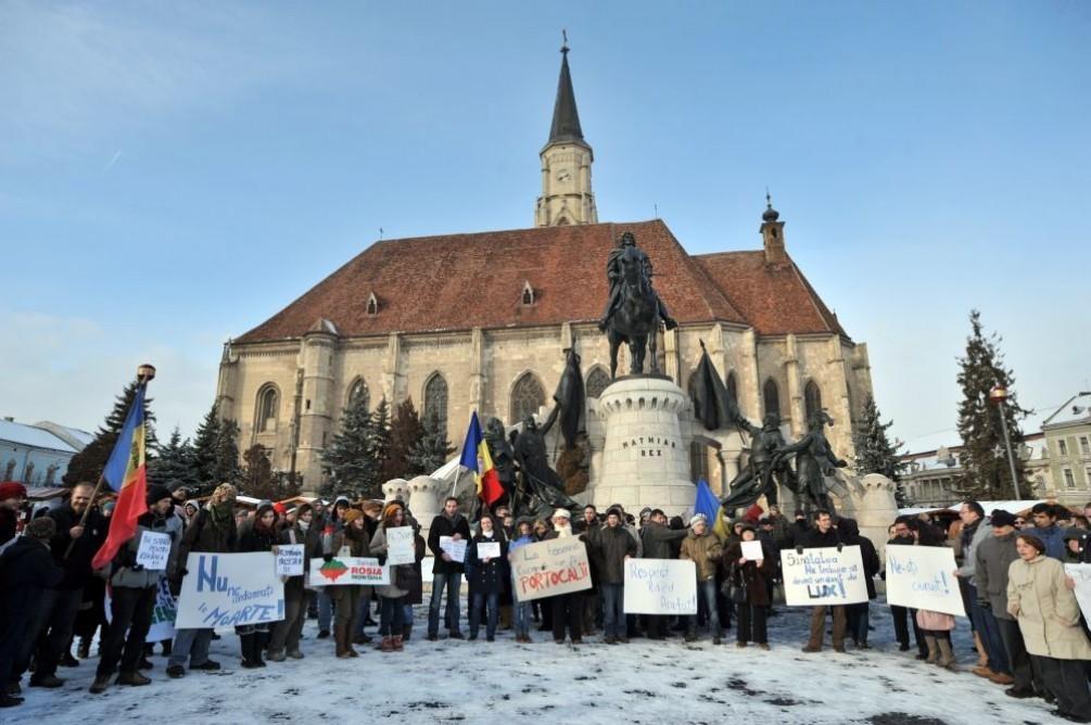 Frigul nu ii sperie pe manifestanti! A inceput a noua zi de proteste