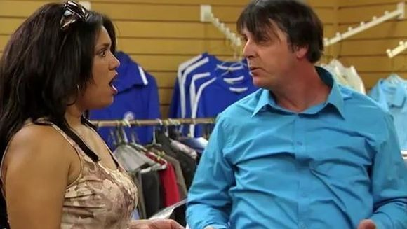 Cea mai tare FARSA a inceputului de an! Cum reactioneaza o femeie cand are dovezi ca a fost inselata. Afla din VIDEO! :)