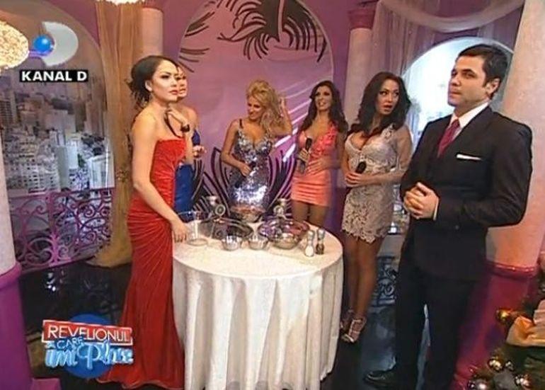 Sanziana Buruiana si Andreea Tonciu au pregatit carnati. Iti vine sa crezi? VIDEO FUNNY
