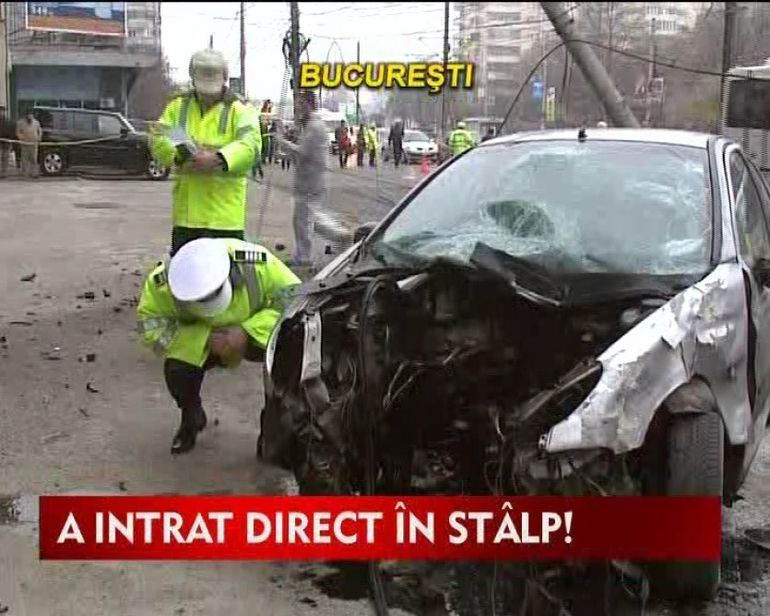 Accident grav in Capitala!A intrat cu masina direct in stalp VIDEO