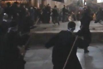 100 de preoti s-au luat la bataie cu maturi in Biserica Nasterii Domnului din Betleem!VIDEO