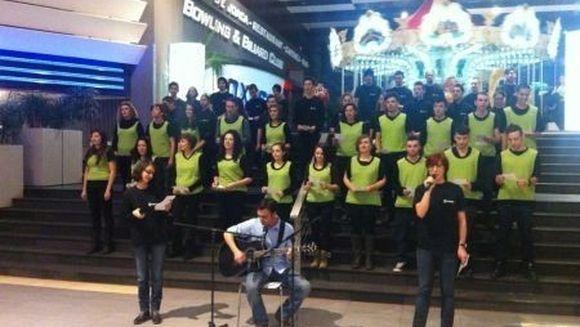 "COSMOTE Romania a ales o cale speciala prin care va transmite ""Craciun Fericit"""