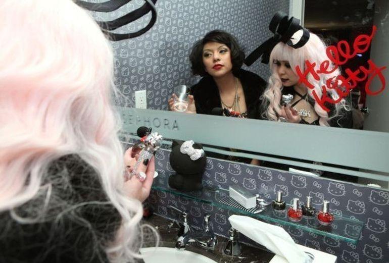 Casa de vis pentru un adevarat fan Hello Kitty! Iti place cum arata? FOTO