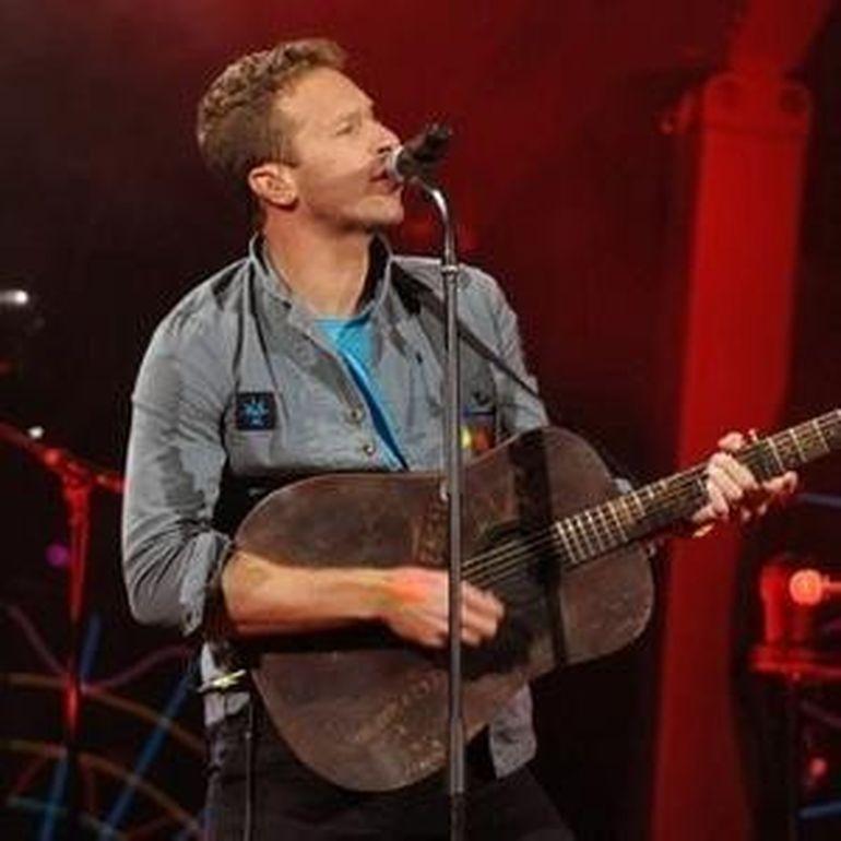 Coldplay scoate un videoclip cu femei goale