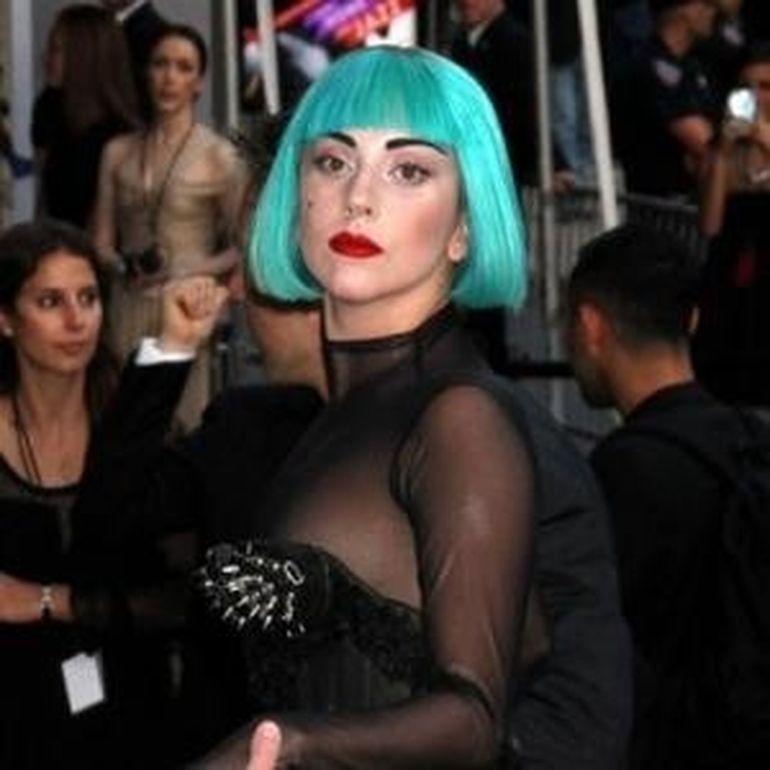 Lady Gaga traumatizata in copilarie. Isi auzea parintii facand sex!