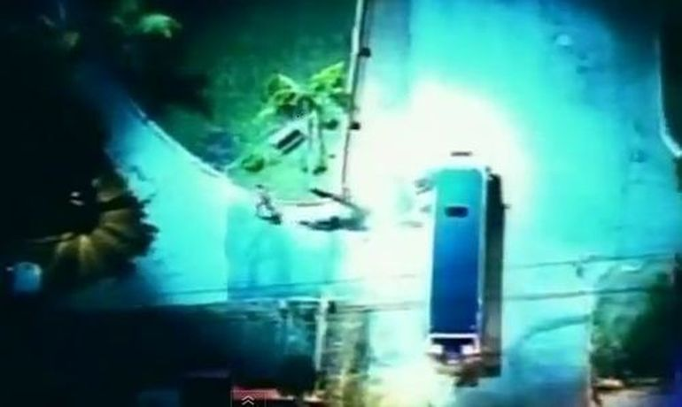 Urmarire ca-n filme! A incercat sa fure o limuzina gol pusca. :) VIDEO