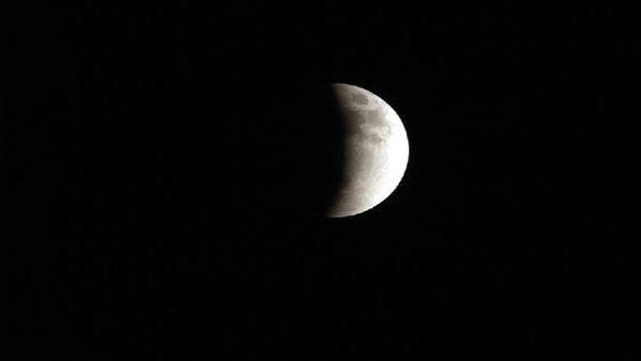 Eclipsa totala de luna, vizibila si din Romania