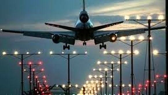 Ceata face ravagii! Mii de pasageri blocati pe aeroporturile londoneze