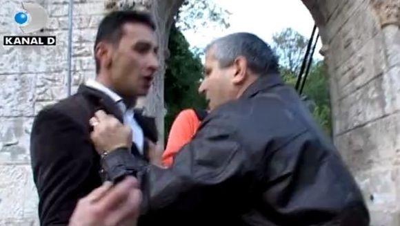 Confruntare de zile mari. Un barbat si-a prins nevasta in bratele altui barbat! VIDEO