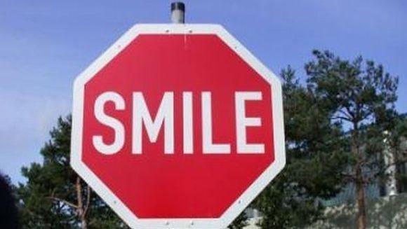 Top 10 sfaturi despre cum poti deveni mai fericit. Invata cateva trucuri simple!