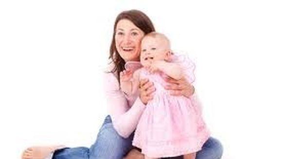 Femeile care nasc dupa 40 de ani sunt mamici mai bune. Vezi din ce motiv!