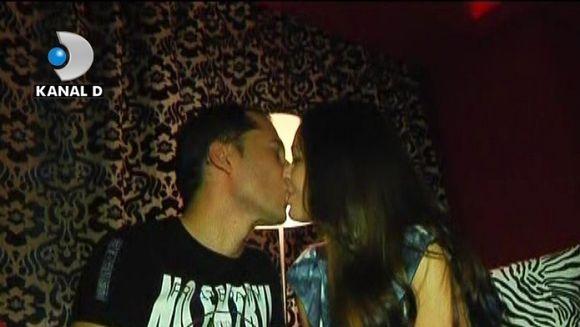 Dinu si Deea Maxer au povestit cum a fost prima lor noapte de amor. VIDEO