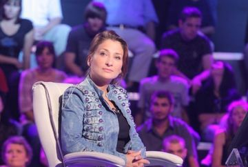 """Alina Turculeţ ţinteşte milionul la """"Vrei să fii milionar?"""""""