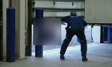 INFRICOSATOR: A deschis usa garajului, insa A INCREMENIT cand a vazut ce se ascunde in spatele ei! IMAGINEA pe care nu o va uita prea curand