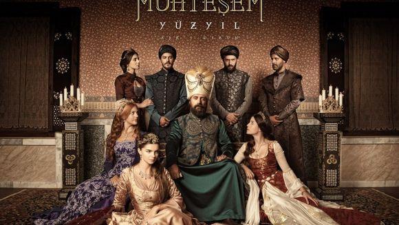 """ESTE una dintre cele mai surprinzatoare ipostaze in care au POZAT actorii tai preferati din """"Suleyman Magnificul!"""""""