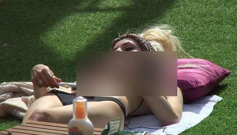 Vezi cum A INDRAZNIT aceasta blonda sa iasa in parc! DETALIUL care a incins imaginatia barbatilor
