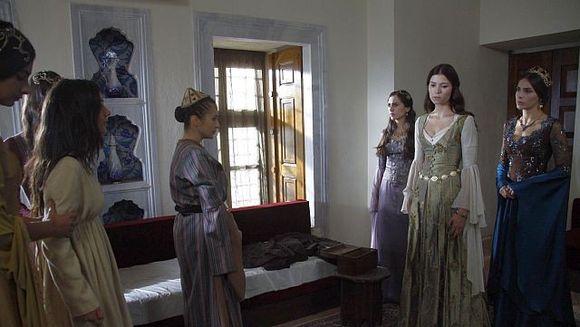 """Sultana Hatice, mai rea ca niciodata! Nu rata un nou episod din """"Suleyman Magnificul – Sub domnia iubirii"""""""