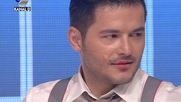 """Liviu Varciu, plin de ruj pe buze. Vezi cine l-a sarutat la """"Roata Norocului"""""""