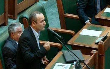 Parlamentarilor nu li s-a parut important! N-au aprobat legea maririi alocatiilor la copii