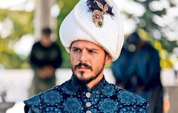 """Mehmet Günsür, printul Mustafa din «Suleyman Magnificul»: """"Nu-mi plac femeile mofturoase!"""""""