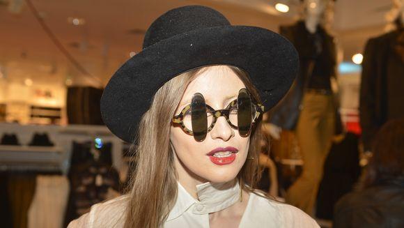 "Iulia Albu, despre buzele rujate in doua culori: ""o alternativa amuzanta la clasicele red lips"""