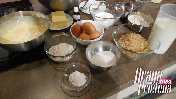 Prajitura cu nuca si crema de vanile
