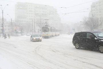 Meteorologii au emis COD ROSU de ninsoare si viscol
