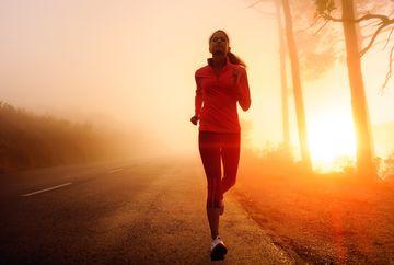VIDEO Exercitii fizice zilnice care te slabesc rapid! Cum sa fii propriul antrenor