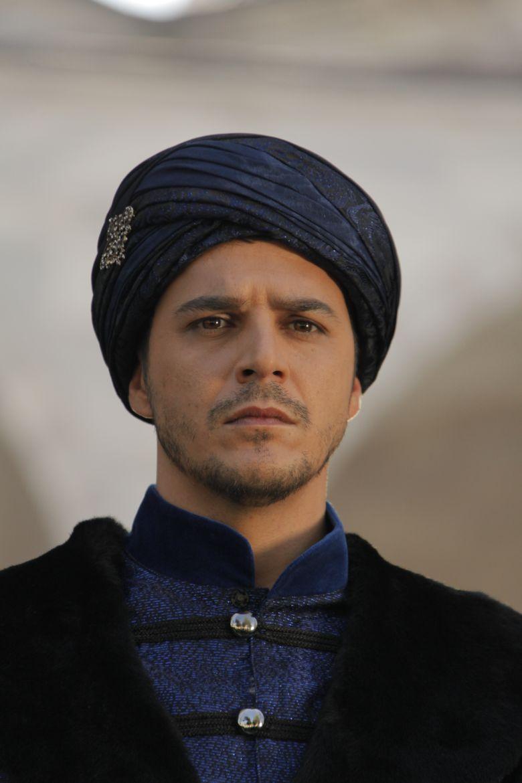 Printul Mustafa incepe lupta impotriva lui Hurrem
