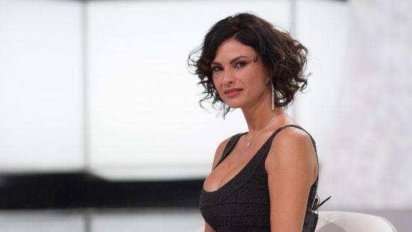 Cum se mentine Ramona Badescu dupa sarbatori? Dupa festinul de Paste o sa mearga intens la sala si o sa faca masaj trei zile la rand. S-a ingrasat un kilogram!
