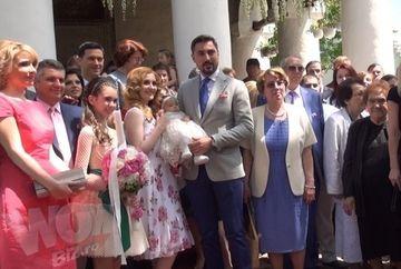 Uite cum s-au distrat invitatii la botezul fiicei Alinei si a lui Alexandru Ciucu! Parintii sunt foarte multumiti de ce a iesit!