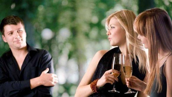 Ghidul de dating care a innebunit barbatii! Uite ce spine acesta despre femei! S-ar putea sa socheze
