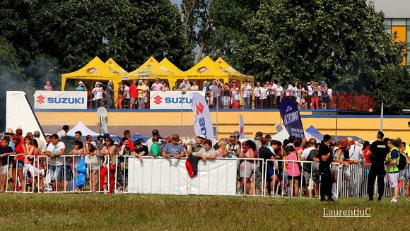 Peste 8.500 de vizitatori au fost sambata la mitingul aviatic AEROMANIA 2014